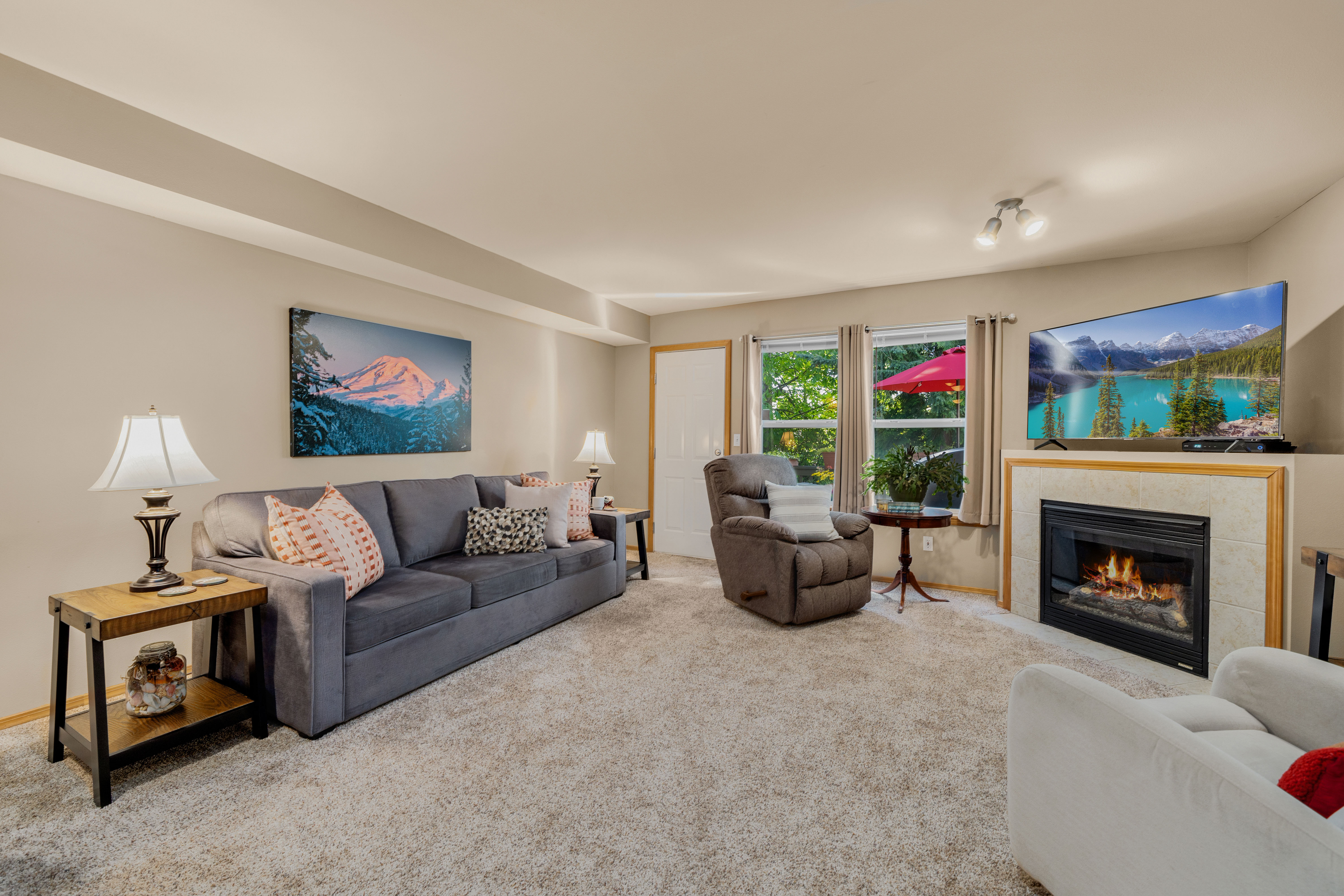Lynnwood Townhome for sale