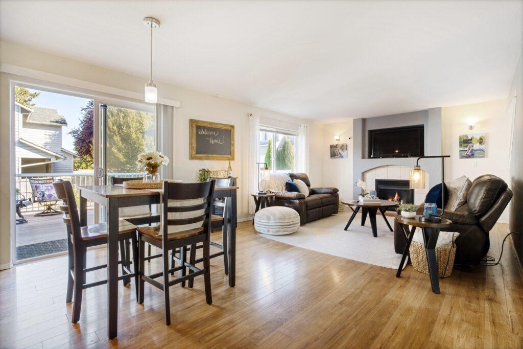 Marysville: Open concept living room